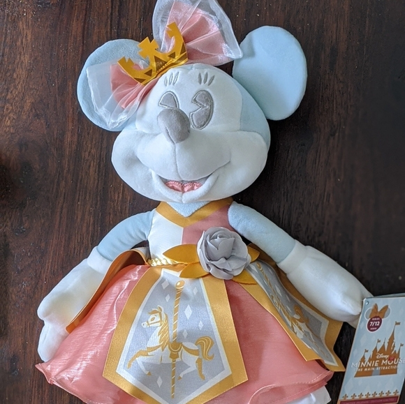 Disney Other - Disney Minnie Mouse Main Attraction July/carrousel